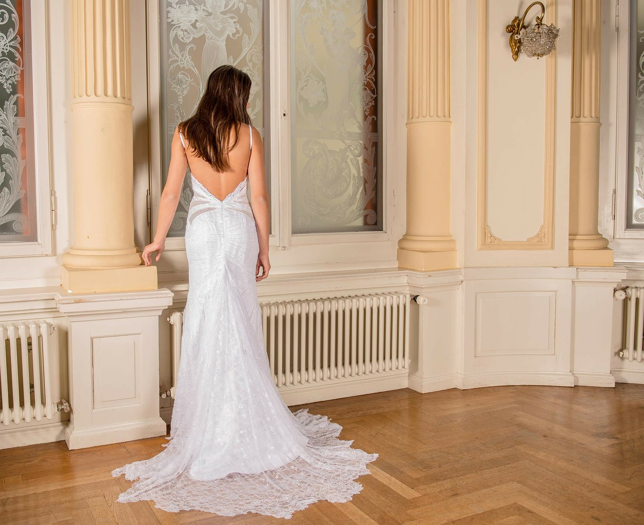 wedding-dress-301815_1280